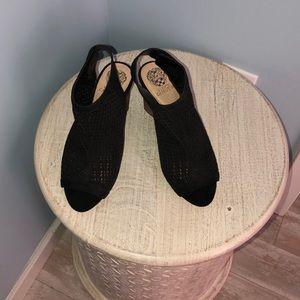 Vince Camuto size 10 W Peep Toe Sandal